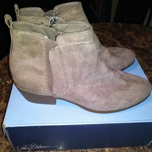 🎀Libby Edelman size 9.5 ankle boots!